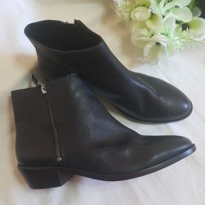 J.CREW TUMBLED LEATHER ANKLES BOOTS  9 1/2